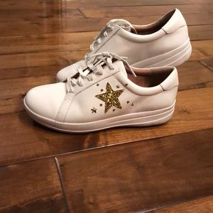 Fit flops gold star glitter lace up sneakers